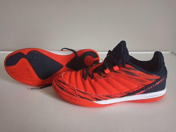 Buty sportowe, halówki r. 35, wkladka 22,5 cm