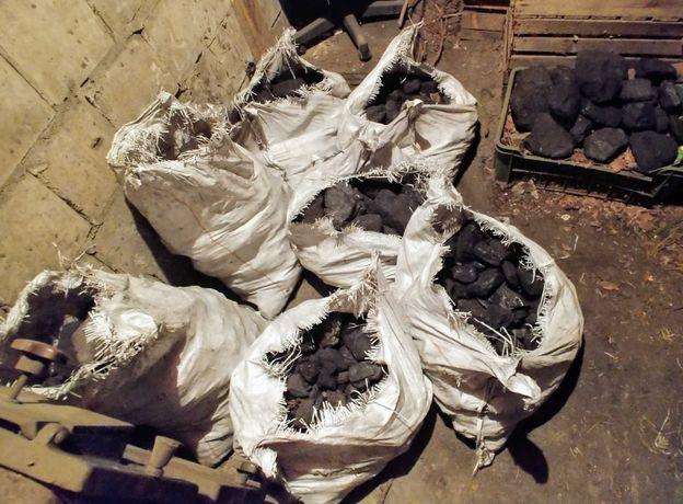 Węgiel kamienny orzech gruby - 7 worków - ok. 210 kg.