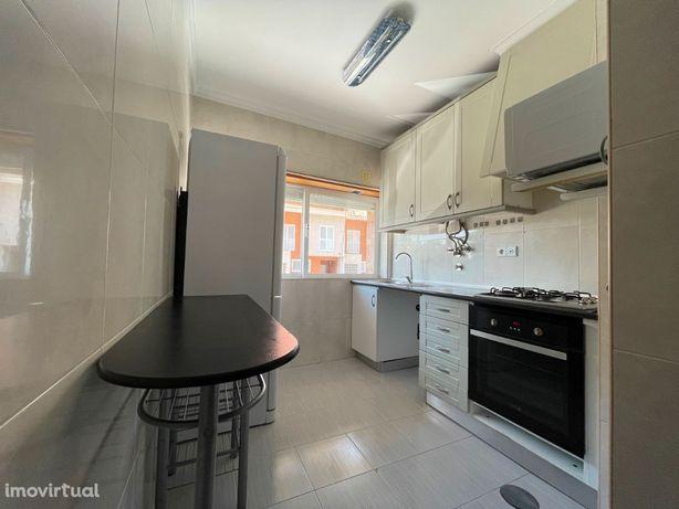 Apartamento T2 com arrumo – Esgueira