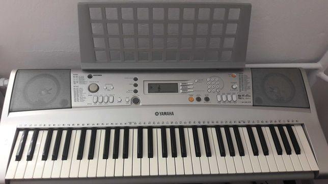 Keyboard Yamaha PSR E303 + akcesoria