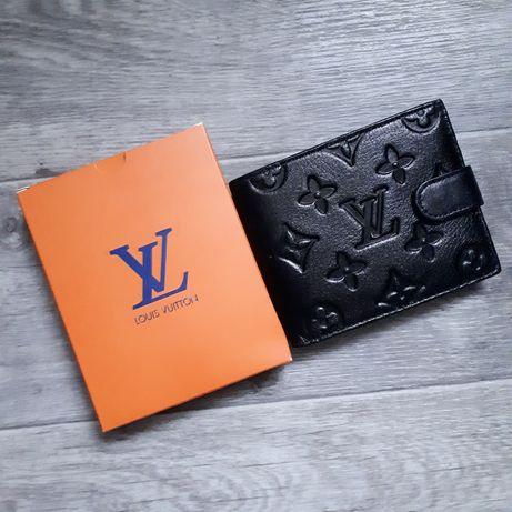 Кожаный кошелёк LV