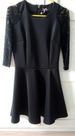 Czarna sukienka rozkloszowana, rękaw koronka, rozm. XS mini 34/36