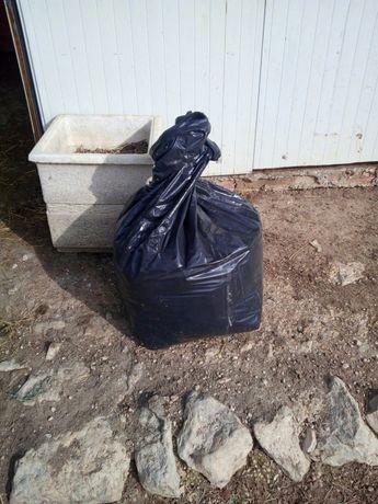 Estrume de cavalo sacos com aproximadamente 40 kg