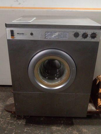Máquina de lavar e secar industrial mielle.