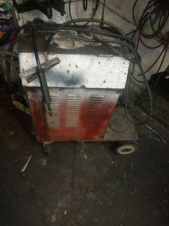 Сварочный аппарат 3 фазный постоянный ток в идеале для работы .