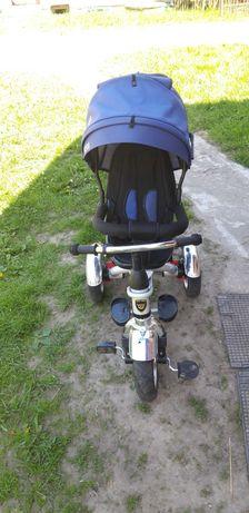 Wózek dzieciecy trójkołowy