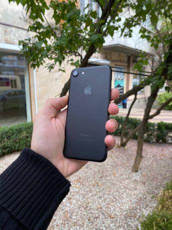 iPhone 7 32 GB с гар. 3 месяца + стекло и чехол ! Остался всего 1!