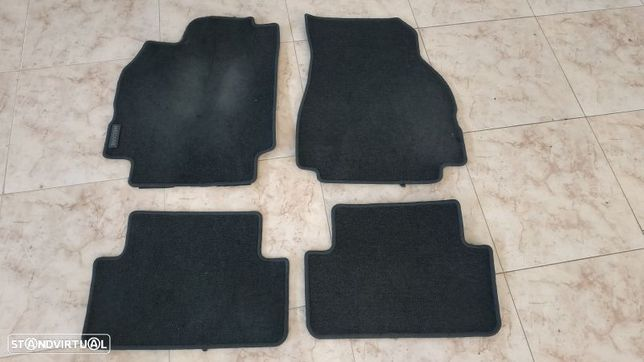 Conjunto De Tapetes Renault Megane Ii Caixa/Combi (Km_)