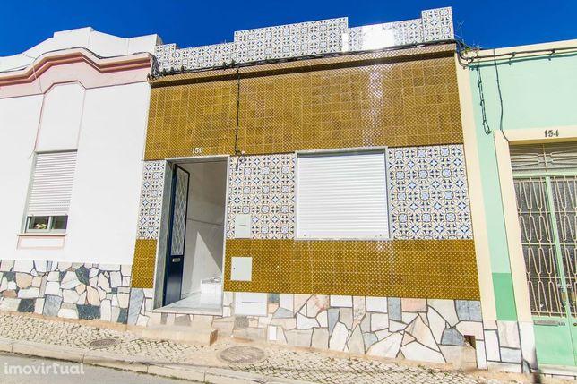 Casa Térrea renovada no centro