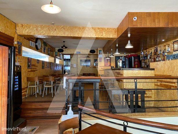 Café / Bar no centro da cidade de Aveiro em funcionamento...