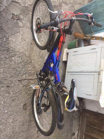 Велосипед GT горный