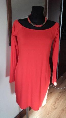 czerwona sukienka ASOS długi rękaw