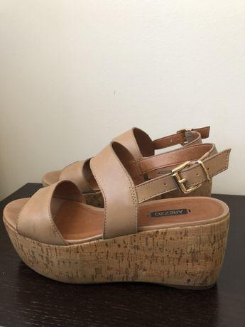 Sandálias de cunha AREZZO