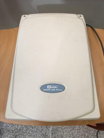 Scanner Mustek 1200 UB Plus