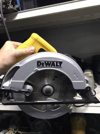 Дисковая пила DeWalt DWE560 + стабилизатор