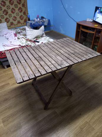 Продам деревянный раскладной стол.