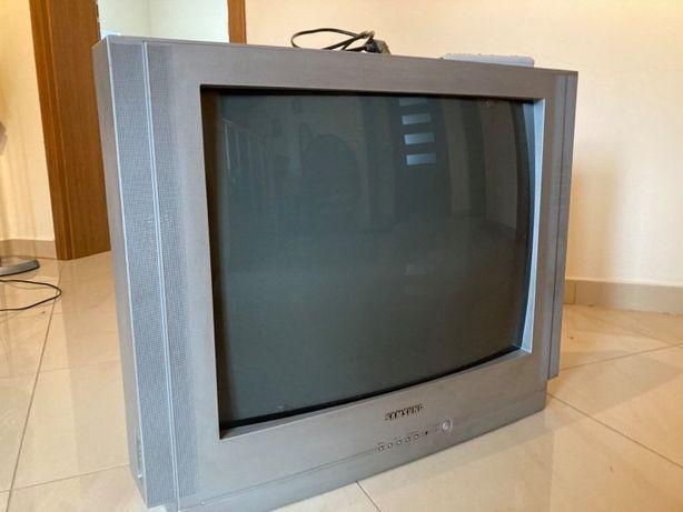 Sprzedam telewizor - przekatna 68 cm