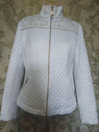Куртка женская,белая.