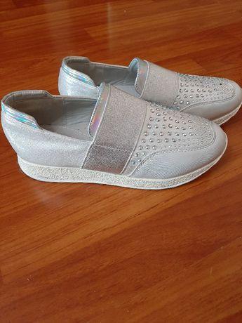 Туфлі кросівки 35розмір