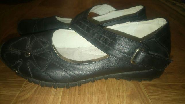 Черные туфли, мокасины, балетки