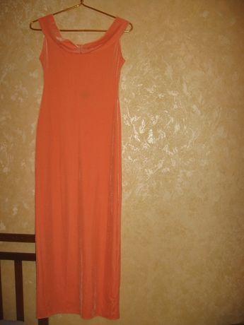 Платье вечернее велюровое.