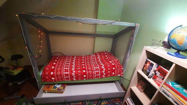 Łóżko bramka z siatką i pojemnikiem na pościel 216x95x175cm