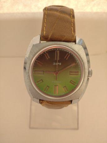 Часы заря СССР большие