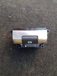 Sprzedam przełącznik/przycisk hamulca do Discovery 5