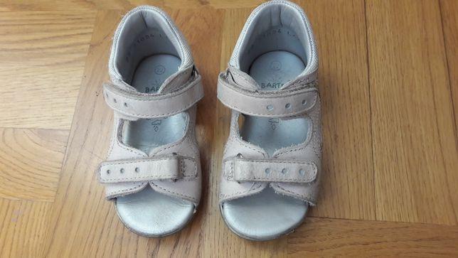 Sandałki rozmiar 22 firmy Bartek