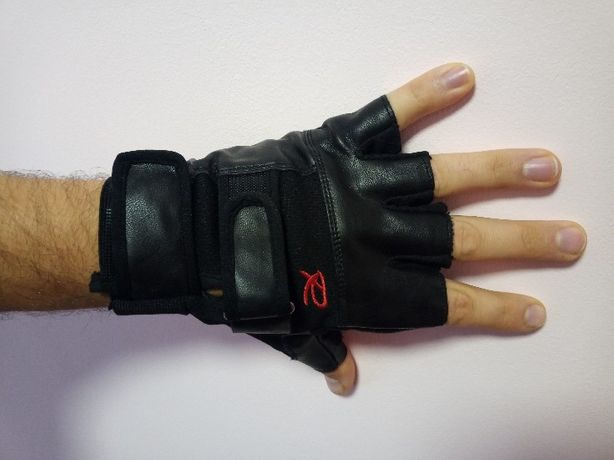 Перчатки спортивные защитные для турника фитнеса зала атлетики Наложка