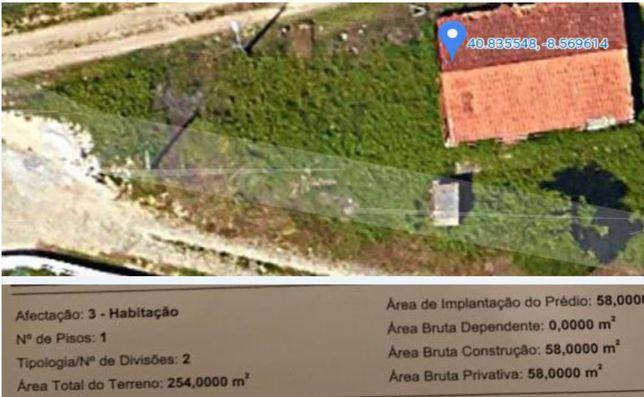 Terreno e casa inacabada