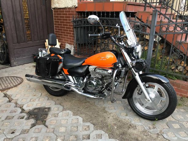 Motocykl Hyosung GV125