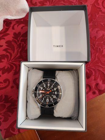 Relógio Timex EUA Luminoso