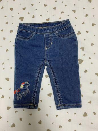 Продам джинсы Carter's