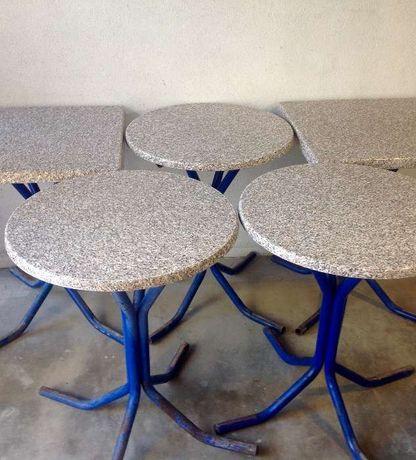 Grande Oportunidade - 16 mesas com tampos de Werzalit, Padrão Granito