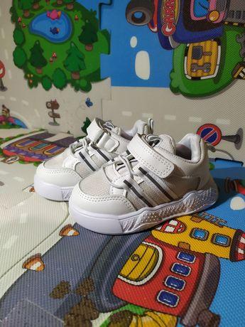 Продам новые детские кроссовки кеды zara hm next carters