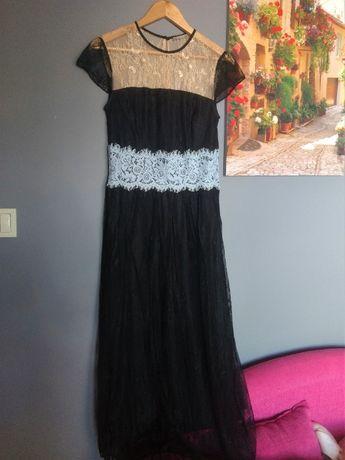 Czarna koronkowa sukienka Orsay