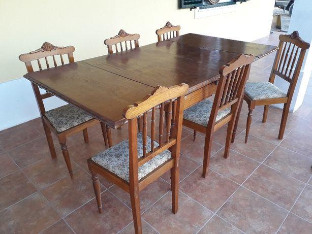 mesa estensivel antiga como nova com cadeiras incluídas