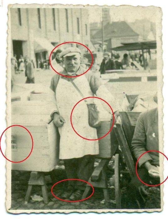 Rynek sprzedawca piekarz? stolarz skrzynie lata 40-te? Fotografia Bielsko-Biała - image 1