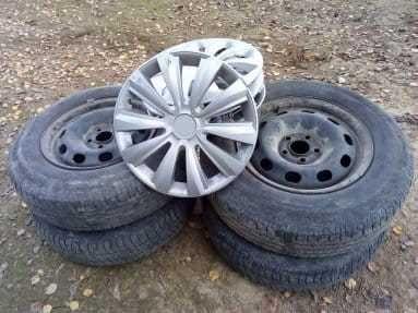 Комплект літньої гуми і дисків б/в, R14