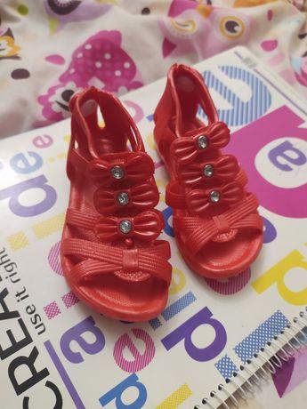 Продам Обувь На девочку