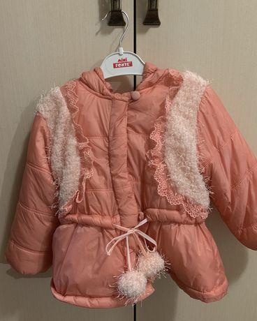 Курточка на девочку 2-3 годика