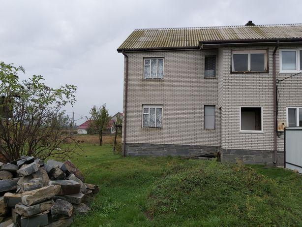 Пів будинка в с. Оліївка