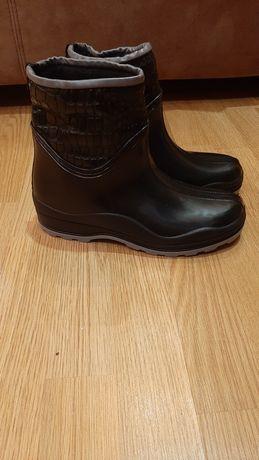 Резиновые ботиночки на утеплении