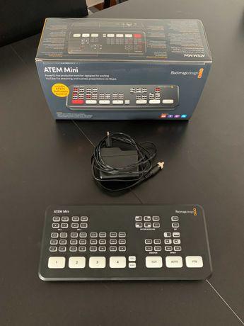 Vendo Blackmagic Atem Mini + 4 Splitters HDMI