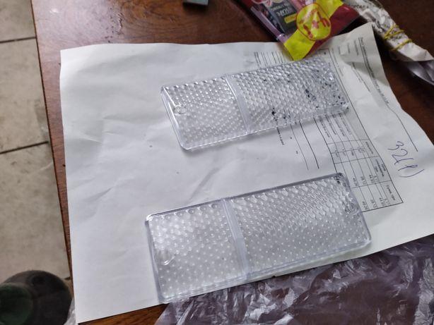 Прозрачные стекла подфарников 2106