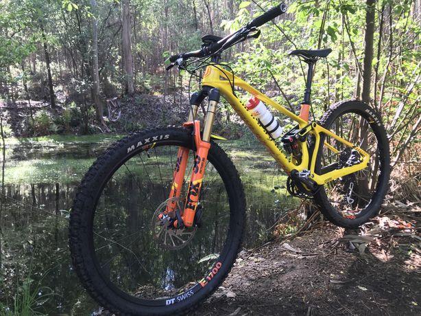 Bicicleta Mondraker foxy RR carbono 2019