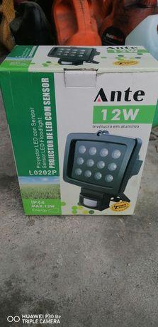 Projector de LED com sensor