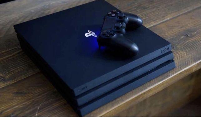 PS4 PRO 1TB + 2 Comandos