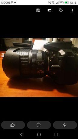Nikon D 5300 + lente Nikor AF-S DX 18-140mm,